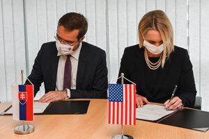 Health Minister Marek Krajčí and Ambassador Brink.