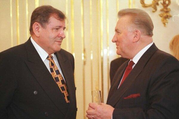 Ex-PM Vladimír Mečiar (l) and ex-president Michal Kováč (r)