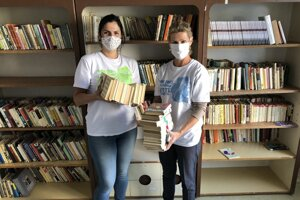 Volunteers in Prievidza were assorting books for a new museum.
