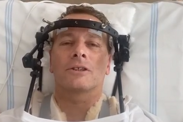 Kollár broke his second cervical vertebra during the accident. He is now wearing a halo brace.