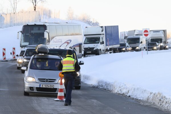 Germany restored border controls on the frontiers with the Czech Republic.