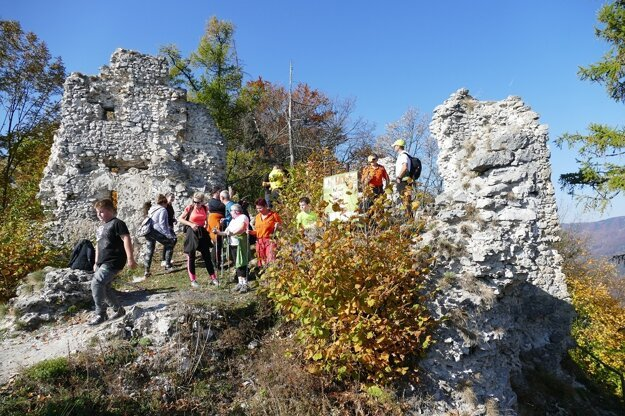Tourists at Zniev Castle.