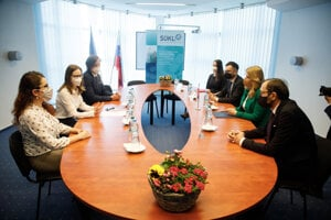 President Zuzana Čaputová met with the representatives of the State Institute for Drug Control on April 12.