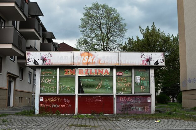 The former ice-cream parlour in Žiar nad Hronom will be turned into the community centre Búda (shack), promoting environmental topics.