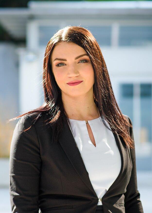Silvia Beňová, Junior Associate