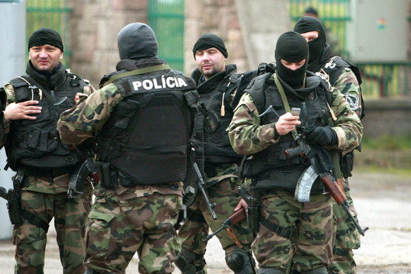 Over 600 police helped hunt for the renegade cops who killed Ján Kubašiak in a bloody home invasion in 2006