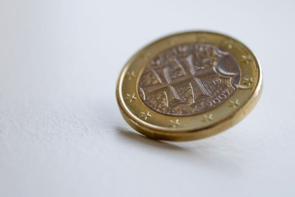 Government pins its hopes on EU funds.