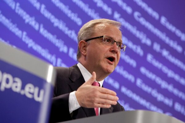 Olli Rehn, the EC Commissioner for Economic and Monetary Affairs.