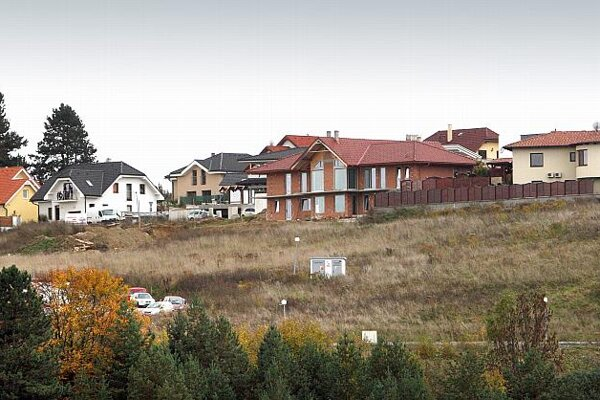 Municipalities decide on construction permits.