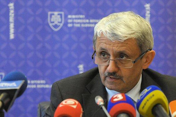 Foreign Affairs Minister Mikuláš Dzurinda
