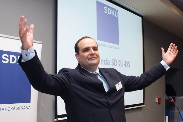 Can Pavol Frešo succeed in halting the deep slide in support for the SDKÚ'?
