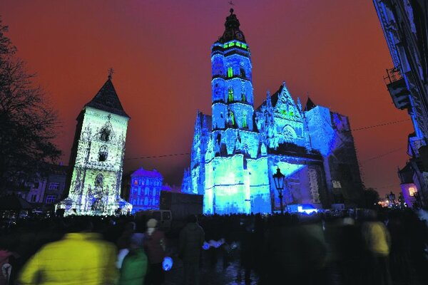 The spectacular illumination of the cathedral drew thousands into the city centre.""