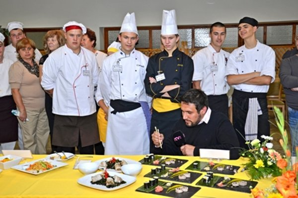 Korean cooking competition for students of hotel academies.