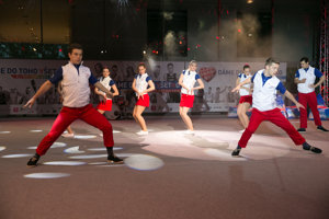 Slovak clothes reflect the three colours of national flag.