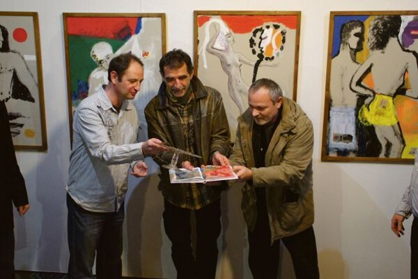 Opening of the exhibition, with Vladimír Balko (centre).