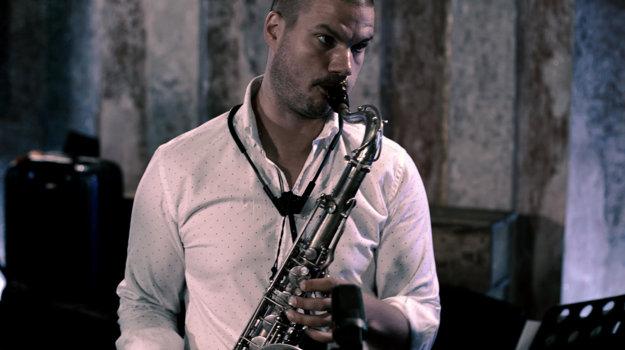 Nikolaj Nikitin on saxophone