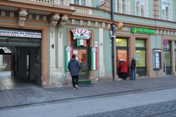 The violence ensued near a pizza restaurant in Košice.