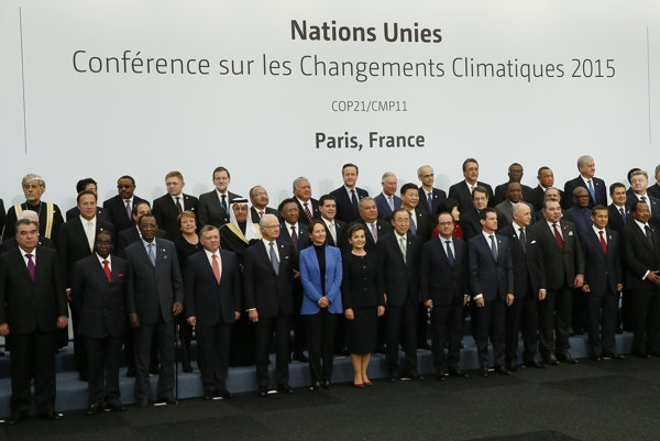 World leaders pose for a group photo at the United Nations Climate Change Conference. PM Fico is fourth from left in the top row.