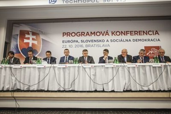 Smer programme congress. PM and party chairman Robert Fico is in the centre.