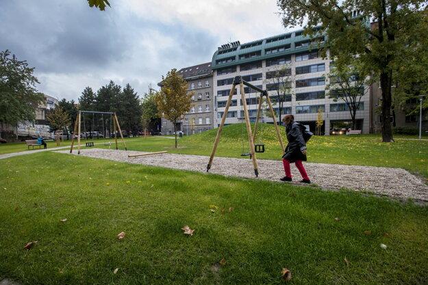 The renewed park at Belopotockého street
