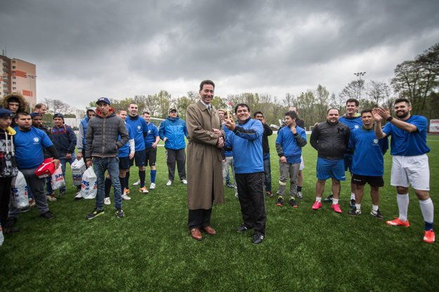 Centre-from left: US Ambassador Adam Sterling and Slovak musician Vladimír Sendrei during the trophy-awarding ceremony at the Roma vs. foreign diplomats tournament on April 7.