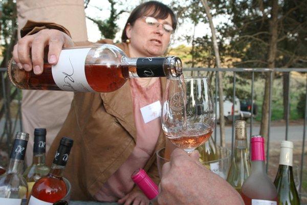 Wine tasting, like at the Vitis Aurea Modra festival