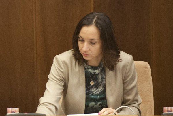 Alena Bašistová left Sieť