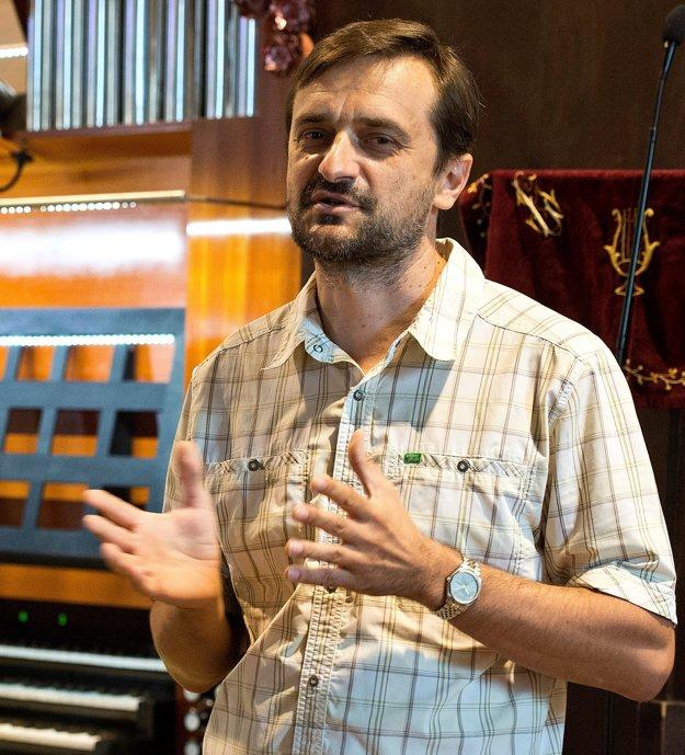 Organist Stanislav Šurin