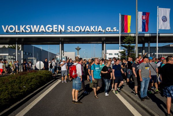 Strike in Volkswagen Slovakia on June 20, 2017.
