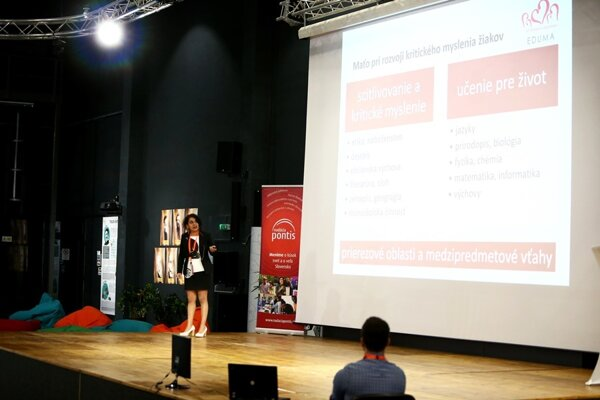 The presentation of Online Live Library project