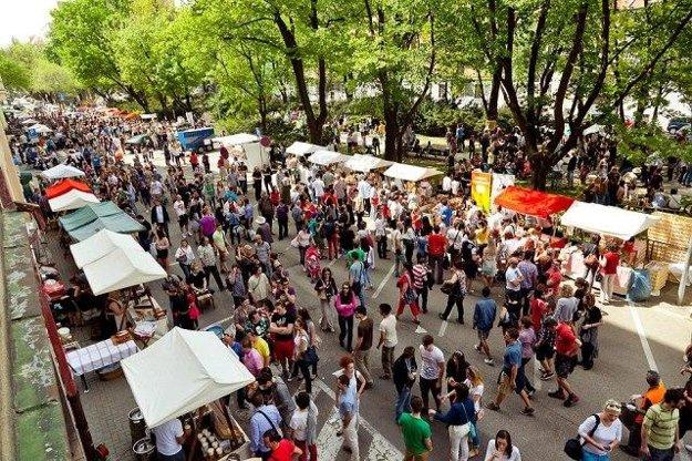 Good Market in Jakubovo Square