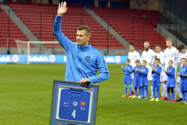 Ján Ďurica leaving the national football team in the November 14, 2017 match.