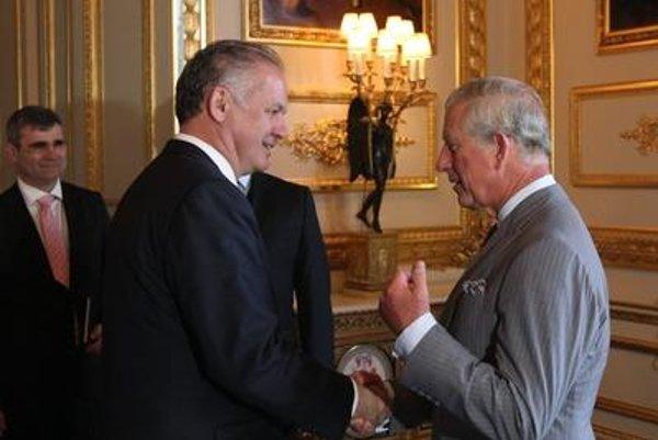 President Andrej Kiska (l) and Prince Charles.