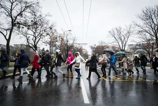 Teachers forming a chain in Bratislava.