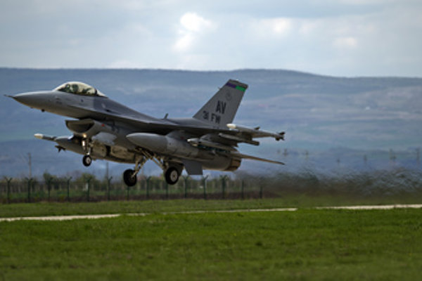 US F-16 fighter plane, of which 14 will be bought by the Slovak government.