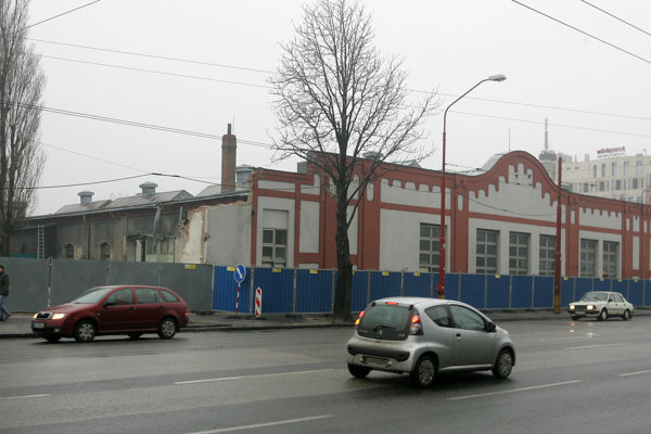 Several of old industrial buildings in Bratislava were pulled down, also this Kablo factory.