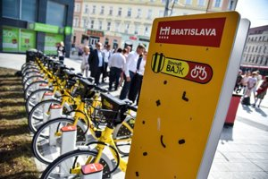 Launch of bike-sharing stands in downtown Bratislava, September 7.