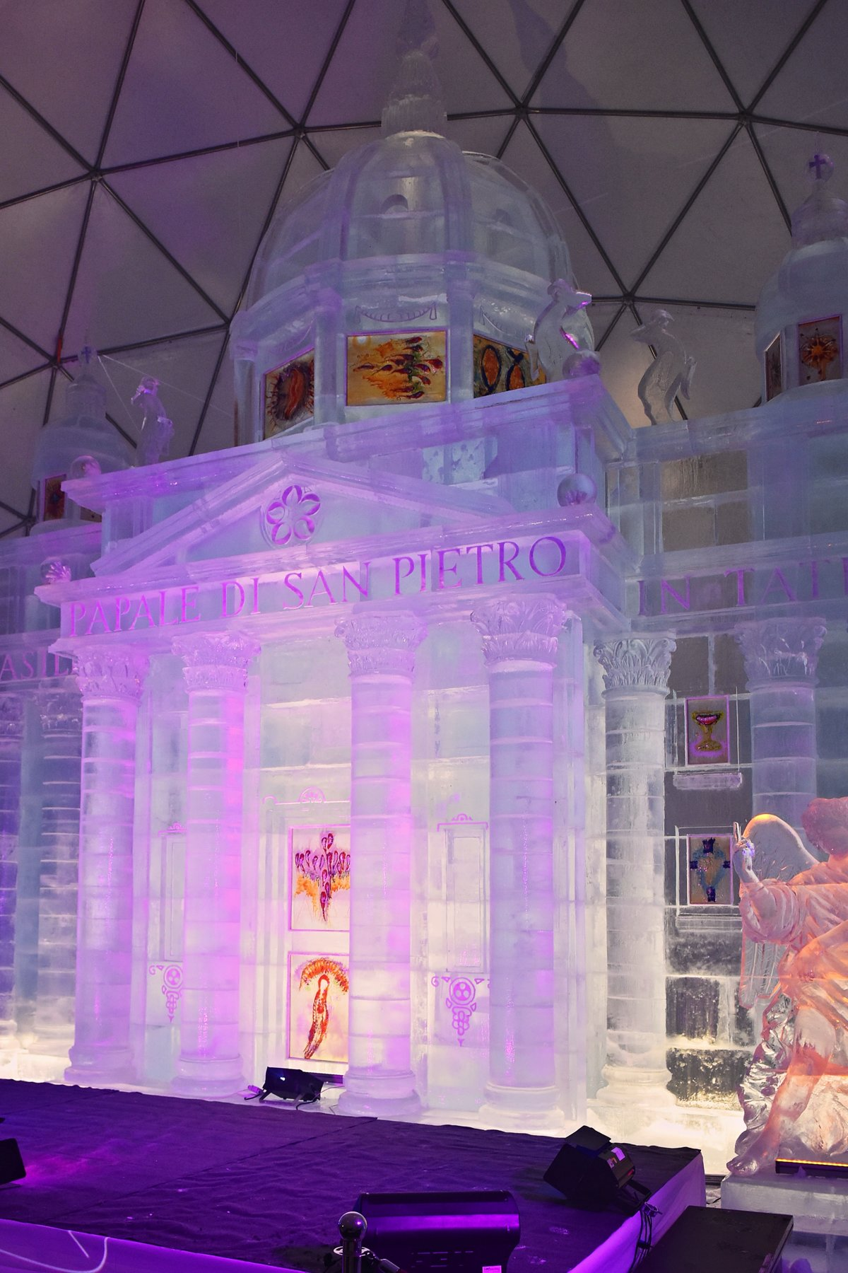 Ice Cathedral In The Tatras Is Open For Visitors Spectator Sme Sk