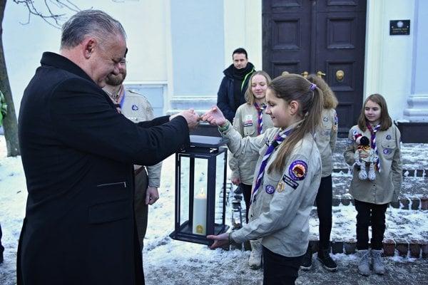 President Andrej Kiska took the Peace Light of Bethlehem in Poprad.