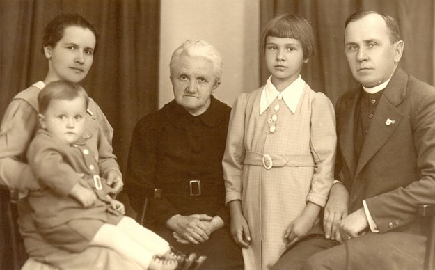 Angela Bajnoková with her parents and grandmother.