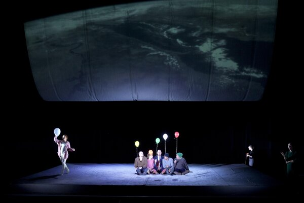 Divided Heaven by the Dresden State Theatre at the Eurokontext Festival