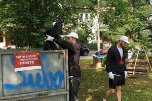 Volunteers at work in park at Karlov in Banská Bystrica.