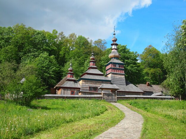 Wooden church near Bardejov.