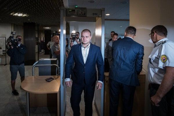 ĽSNS MP Milan Mazurek