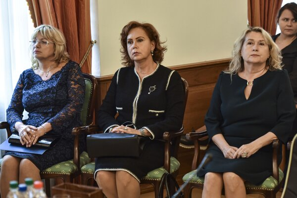 Three candidates: Jana Bajánková (left), Ivetta Macejková (centre) and Soňa Mesiarkinová (right)