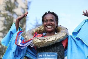 Kumeschi Sichala Deress, the winner of women category.