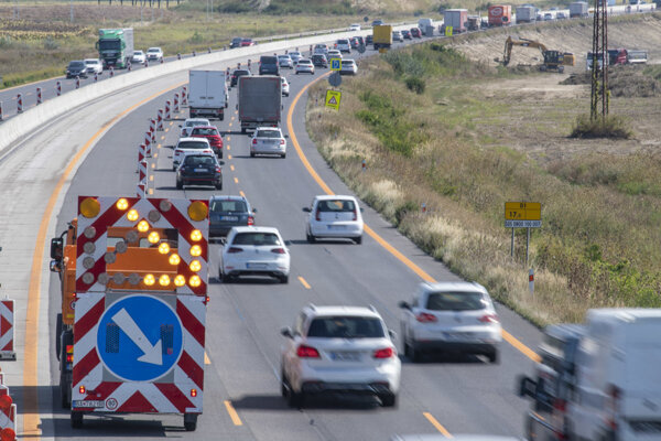 The Transport Ministry will introduce a 365-day motorway vignette in February 2020