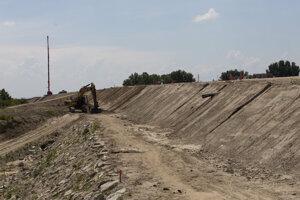 The construction of the D4 motorway near Bratislava