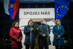 l-r: Head of Let's Stop Corruption Foundation Zuzana Petková, journalist Monika Tódová, journalist Adam Valček, and Xénia Makarová of the Let's Stop Corruption Foundation