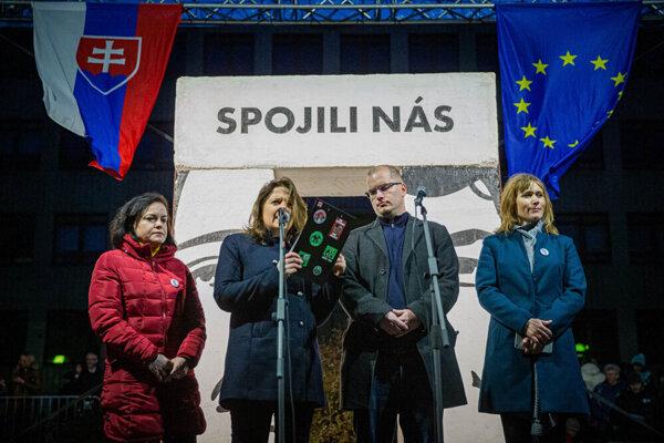 l-r: Head of Let's Stop Corruption Foundation Zuzana Petková, journalist Monika Tódová, journalist Adam Valček, and Xénia Makarová of the Let's Stop Corruption Foundation